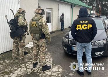 В Закарпатье разоблачили схему по дешевой растаможке авто - под подозрением 8 таможенников