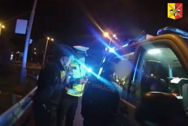 В Чехии неадекватная лихачка устроила полицейским GTA-заезд, гнала со скоростью 180 км/ч