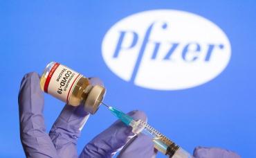 В Украину привезли вакцину Pfizer: Характеристики, побочка, как будут прививать