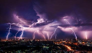 Будьте готовы: Завтра на Закарпатье придёт холодный фронт с сильными дождями и ветрами