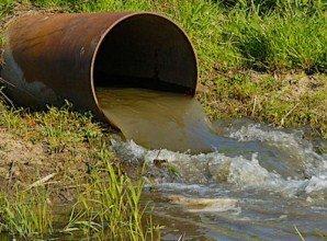 Карпати: Курорт зливає каналізаційні стоки просто в річку!