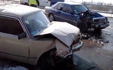 ДТП в Мукачево: на мосту столкнулись 3 авто