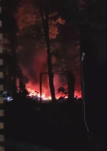 Развлекательное сооружение полностью уничтожено огнем в Ужгороде