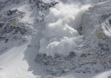 В Карпатах десятками сходят лавины