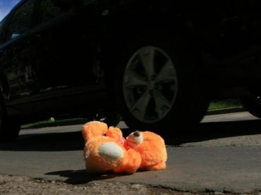 Даже не остановился: В Мукачево фура не бешеной скорости сбила мальчика