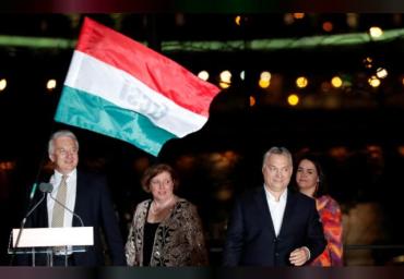Венгры отдали Орбану 2/3 голосов на выборах в парламент