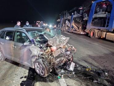 Первые подробности страшного ДТП возле Мукачево: Пострадавших 4, одного буквально зажало в автомобиле