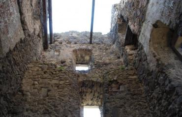 Раскопки известного замка в Закарпатье просто поражают
