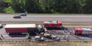 Храбрец из Украины спас двух женщин с детьми из горящей машины в Польше
