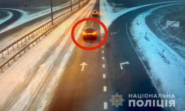 """В Закарпатье с парковки отеля угнали элитный """"BMW"""""""