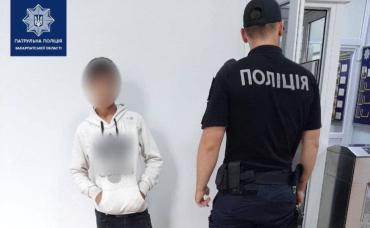 В Мукачево две патрульные на своем же выходном помогли раскрыть преступление