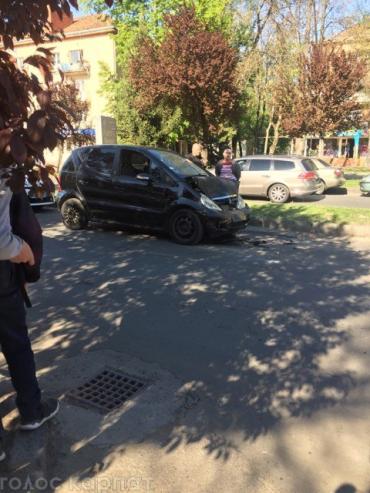 В Закарпатье среди бела дня столкнулись легковушка и внедорожник