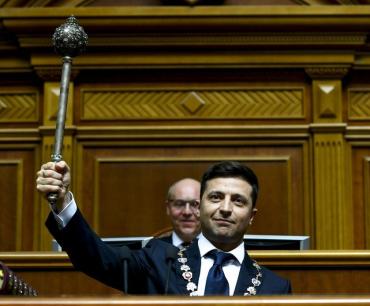 Г-н Зеленский не забывайте- Вы Президент Украиныс огромной поддержкой людей!