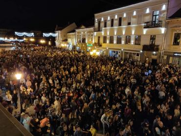 Вечерний Ужгород в День города показали с высоты
