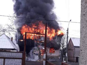 Масштабный пожар в Закарпатье: Пылает огромнейший магазин