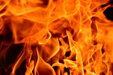 На Закарпатье маленький ребёнок сгорел заживо в собственном доме