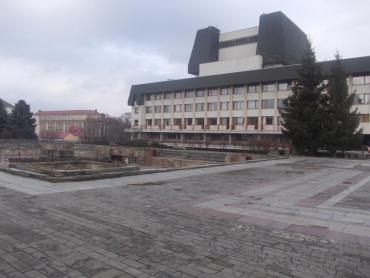 """Продал фонтан : В Ужгороде на """"чистую воду"""" вывели еще одного чиновника"""