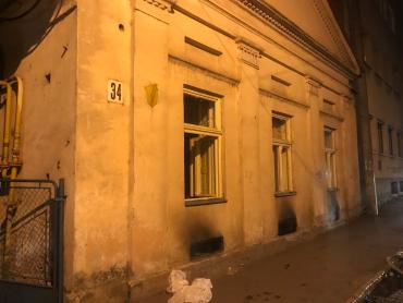 На Закарпатье в жилом доме разгорелся жуткий пожар