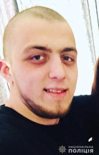 В Закарпатье полиция опубликовала фото преступника, который нанёс фатальные удары работнику заправки