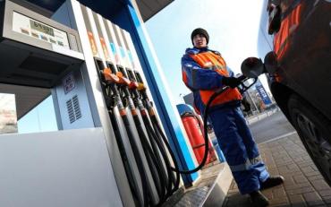 """Водителей """"порадовали"""": Цены на топливо снова вырастут"""