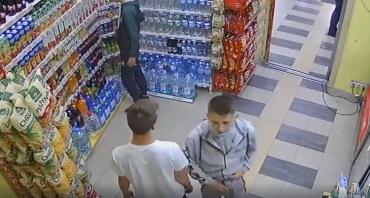 Будьте настороже: В центре Ужгорода предупреждают о малолетних преступниках
