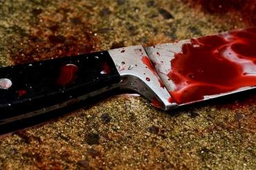 Убила с одного удара: В Мукачево жена всадила нож в сердце мужа