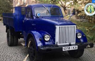 В Ужгороде раритетный автомобиль буквально вернули из мертвых