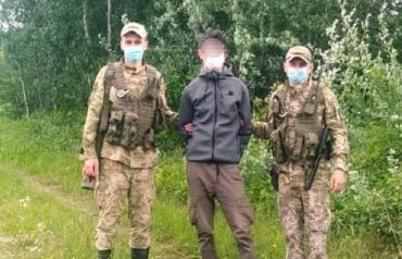 В Закарпатье прорвались двое неизвестных мужчин: Один из них добрался почти до Ужгорода