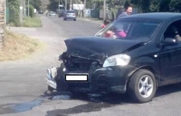 В Закарпатье под палящим солнцем столкнулись две машины