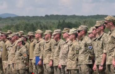 Возле Ужгорода проводят масштабные военные учения с участием 600 человек
