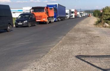 В Мукачево из-за ремонта дорог на нескольких улицах появились заторы