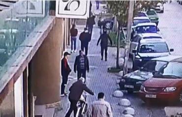 В Закарпатье видеокамеры зафиксировали начало неудачного ограбления банка