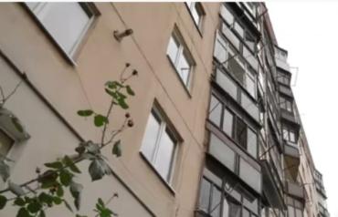 Самоубийство в Ужгороде: Соседи до сих пор в шоке, жена не может прийти в себя