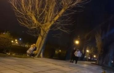 """""""Оно"""" вернулось: Появилось видео, как Пеннивайз не на шутку испугал супружескую пару в центре Ужгорода"""