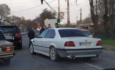 """Вечернее ДТП в Ужгороде: """"BMW"""" недалеко от вокзала догнал """"Lexus"""""""