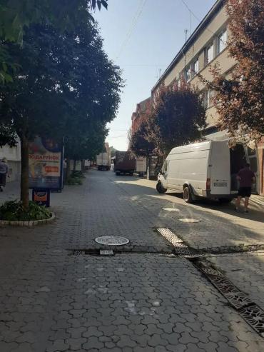 Центр Ужгорода кишит водителями, которые так и напрашиваются на штраф