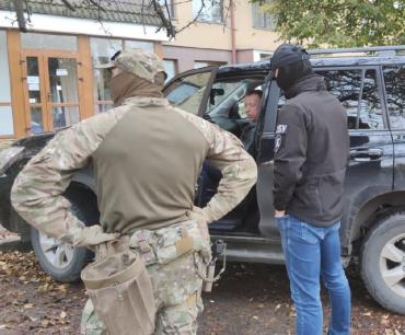 Спецоперация по задержанию ТОП чиновников в Ужгороде: Вся правда о их коррупционной схеме