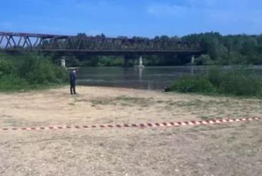 В Закарпатье на берег реки выбросило скелет человека