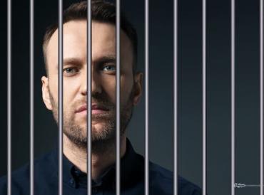 Навальный проведет в колонии 2 года и 8 месяцев