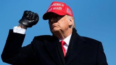 Трамп второй раз смог избежать импичмента