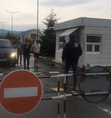 ГБР заполучило любопытную информацию о таможенник в Закарпатье: На границу прибыли работники