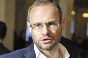 Возле Киева неизвестные связали и ограбили депутата из Закарпатья