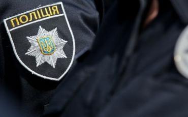 В Ужгороде женщина ночью устроила драку с полицейским