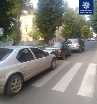 В центре Ужгорода виновнику тройного ДТП выписали штраф