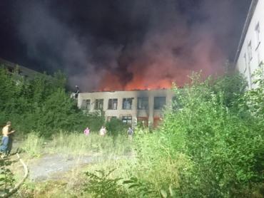 В Закарпатье школу охватил огонь