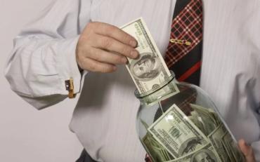 Требование МВФ и новые законы сильно возмутили украинцев