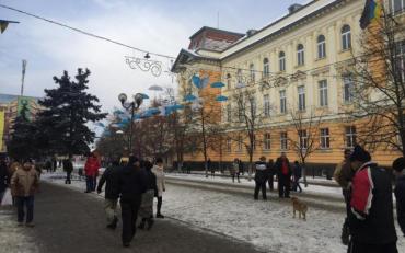 Начался сбор подписей за отменупенсийжителям Украины