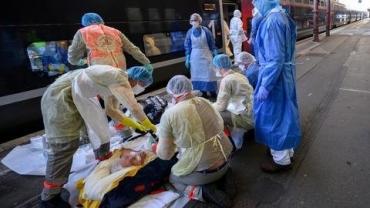 Коротко о ситуации с коронавирусом в Украине: 32 медработника заразились, 7 смертей за сутки