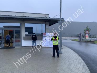 Задолжали 200 000 крон: Заробитчанин из Закарпатья устроил голодовку в Чехии