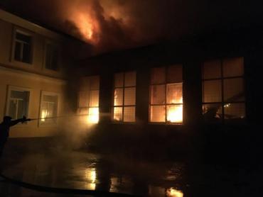 В Закарпатье разгорелся пожар в общежитии лицея